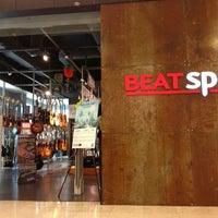 Photo taken at Yamaha Beatspot by Puteri A. on 1/26/2013