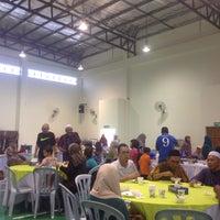 Photo taken at Masjid Kompleks Pertanian Serdang by Haiqal R. on 7/23/2016