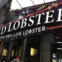 Photo taken at Red Lobster by Tyshon T. on 2/26/2013
