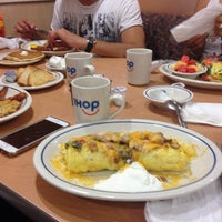 Photo taken at IHOP by Memo G. on 8/13/2016
