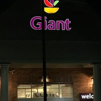 Photo taken at Giant by Titi P. on 11/14/2016