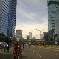 Photo taken at Jalan Jenderal Sudirman by madjied a. on 3/31/2013