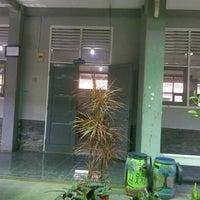 Photo taken at SMA Negeri 9 Bandung by Putri F. on 6/21/2013