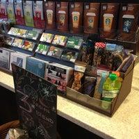 Photo taken at Starbucks by Shi💋 on 6/22/2013