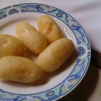 Photo taken at Kineski restoran Kineski zmaj by Tomislav L. on 7/3/2014