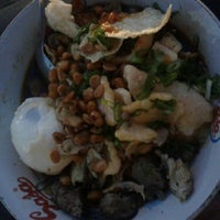 Photo taken at Bubur Ayam Van Danoe by Wida A. on 5/23/2013
