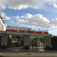 Photo taken at Nickelodeon Studios by Glitterati Tours on 3/6/2015