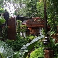 Photo taken at บ้านสวนสุดาพร by Pidpeangpen P. on 8/13/2016