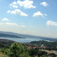 Photo taken at Sarıyer Doğa Koleji by sabri✔️ on 6/3/2013