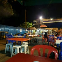 Photo taken at Benteng Selera Malam Port Dickson by Pepé L. on 5/2/2016