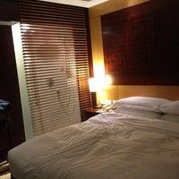 Photo taken at Sofitel Hyland Hotel by T.S.back O. on 2/26/2013