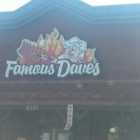 Photo taken at Famous Dave's by Tianna R. on 4/6/2013