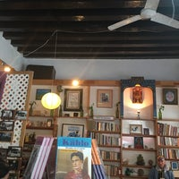 Photo taken at La Rueca de Gandhi by Iliana M. on 10/13/2016