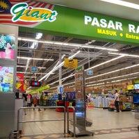 Photo taken at Giant Hypermarket by Jaidesign J. on 3/3/2013