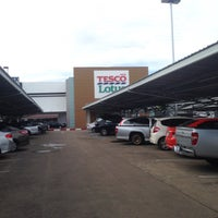 Photo taken at Tesco Lotus by thummanoon k. on 8/1/2016