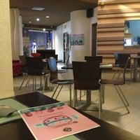 Photo taken at Pizzeria Ristorante Modo by Paola R. on 4/1/2013