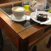 Photo taken at Café do Ponto by Fillipe C. on 3/6/2013