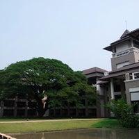Photo taken at Le Méridien Chiang Rai Resort, Thailand by Jokez U. on 4/12/2013