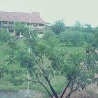 Photo taken at SMA Negeri 21 Makassar by Kevin T. on 3/6/2013