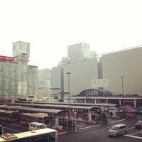 Photo taken at 横浜駅西口 バスターミナル by きゅーびん on 3/8/2013