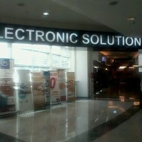 Photo taken at Electronic Solution by Alx V. on 2/21/2013
