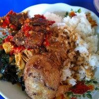 Photo taken at RM. Mande Kanduang by Eriko S. on 10/2/2012