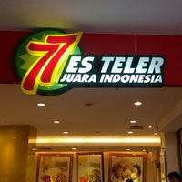 Photo taken at Es Teler 77 by Amik on 9/21/2014