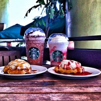 Photo taken at Starbucks Coffee by 🇯 🇮 🇲  📱 G. on 11/29/2012