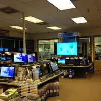 Photo taken at Micro Center by Charles D. on 1/14/2013