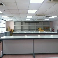 Photo taken at Faculty of Mechanical Engineering by Harihta D. on 1/26/2013
