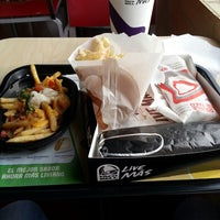Photo taken at Taco Bell by Juan Guillermo S. on 7/27/2014
