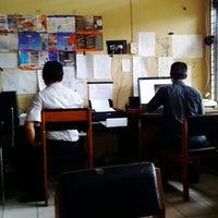 Photo taken at Dinas Pendidikan Provinsi Kalimantan Tengah by Aprie U. on 4/8/2013