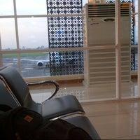 Photo taken at Adi Soemarmo International Airport (SOC) by Opung on 11/18/2012