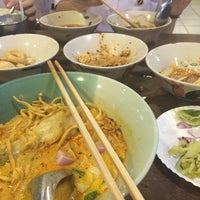 Photo taken at Rue Thong Boat Noodle by Aing D. on 10/27/2016
