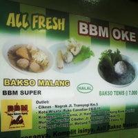 Photo taken at Bakso Bakwan Malang (BBM) OKE by al j. on 4/18/2013