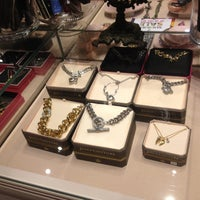 Photo taken at Juicy Couture by Michelle B. on 8/8/2012