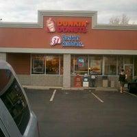 Photo taken at Dunkin' Donuts / Baskin-Robbins by Rita M. on 11/9/2011