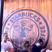 Photo taken at Starbucks by Tobias F. on 8/21/2011