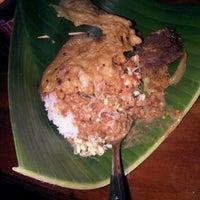 Photo taken at Depot Nasi Pecel Mirasa Bu Wo by Erwin A. on 8/28/2011