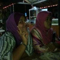 Photo taken at Mutia Tomyam by Pecinta K. on 12/13/2011