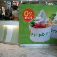Photo taken at Yogoberry by Kleber R. on 1/29/2012