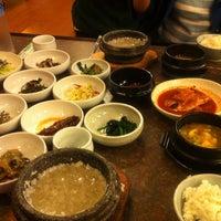 Photo taken at 正一品(이천쌀밥) by Kang Hyun L. on 4/28/2012