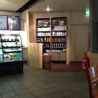 Das Foto wurde bei Starbucks von Boris Z. am 6/30/2013 aufgenommen