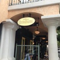 Photo taken at Il Fornaio Palo Alto by Bruce J. on 7/22/2013