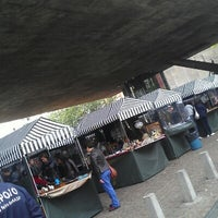 Photo taken at Feira de Antiguidades do Masp by Eduardo A. on 10/14/2012