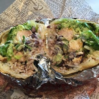 Photo taken at Chipotle Mexican Grill by Isabel J. on 1/5/2015