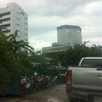Photo taken at Yaek Krungthep Kritha Market by KA W. on 9/15/2013
