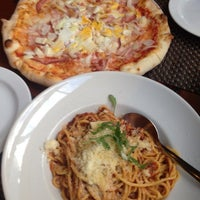 Photo taken at Pizzerie Mediterane by Kiyoshi S. on 9/4/2013