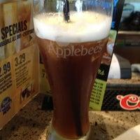 Photo taken at Applebee's by Oscar T. on 8/13/2013