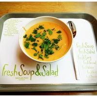 Das Foto wurde bei Fresh Soup & Salad von wolfgang p. am 2/15/2013 aufgenommen